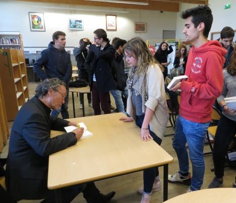 Conférence de l'auteur Pierre Péju3